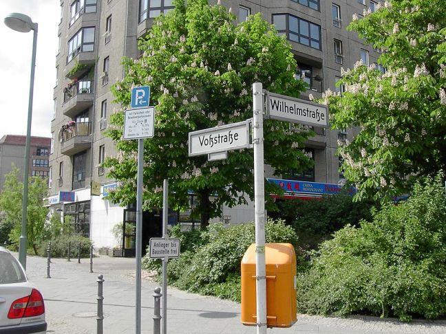 1024px-Voss_Strasse_and_Wilhelmstrasse Wiki