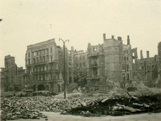 kaiserhof ruine sept 1946 potsdamer-platz.org