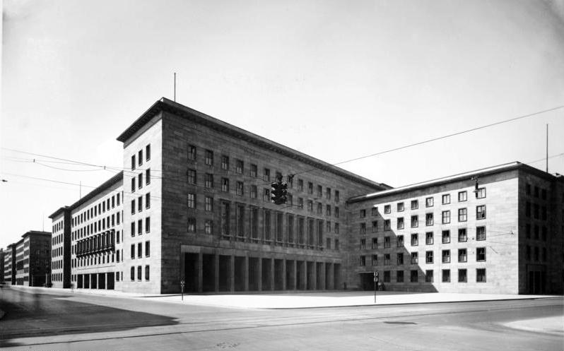 bundesarchiv_bild_146-1979-074-36a,_berlin,_reichsluftfahrtministerium (1)